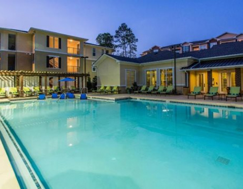 Kennesaw GA Furnished Apartments at 20 Twenty Five Barrett Pool