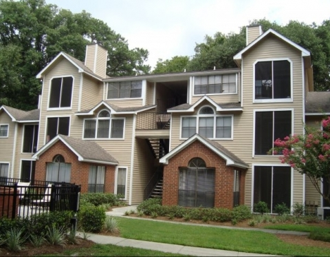 Savannah ga furnished apartments colonial village at huntington select corporate housing for Homes for rent in garden city ga