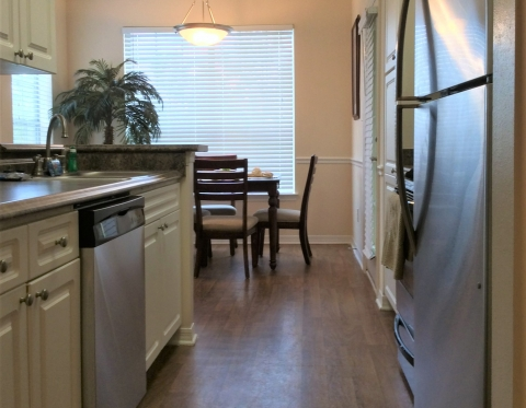 startstop furnished apartments on whitemarsh island at colonial grand at      rh   selecthousing