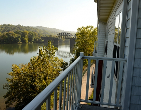 squirrel hill furnished apartments the waterfront select