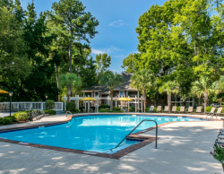 Beautiful Pool at St Andrews Commons Furnished Apartments - Columbia