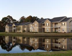 Lake front short-term rentals in Brunswick GA