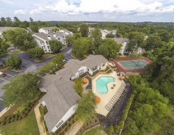 Corporate Apartments in Columbia SC at Landmark at Pine Court Apartments